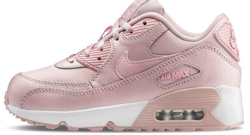 new style 180ab a1ea7 Ma se avete voglia di un paio originale e personalizzato, sul sito del  brand è possibile realizzare il proprio paio di sneakers e procedere poi  con ...
